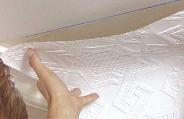 Поклейка обоев потолка своими руками фото