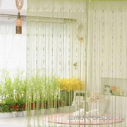 Как разделить комнату шторами на отдельные зоны?