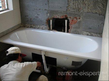 Этапы установки ванны своими руками из разных материалов