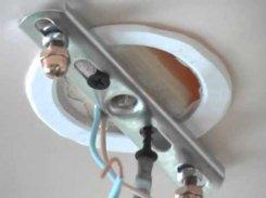 Как повесить люстру на натяжной потолок: варианты монтажа