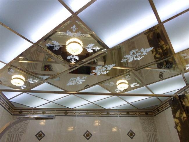 3. Зеркальный потолок
