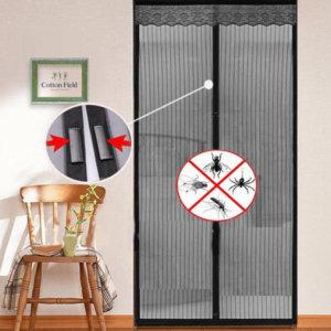 Что из себя представляет магнитная штора на дверь?