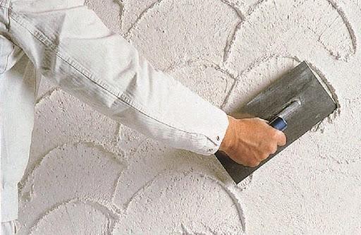 Декорирование стен с помощью штукатурки