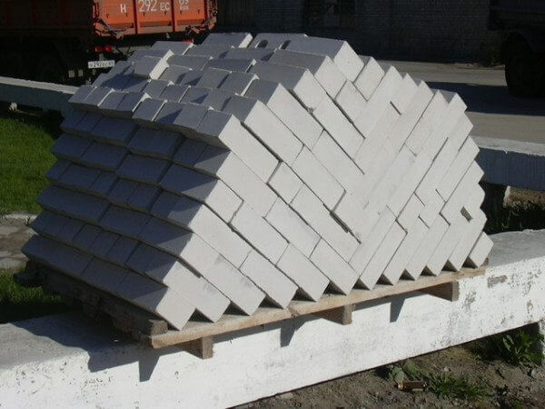 Что такое силикатный кирпич и как он применяется в строительстве?