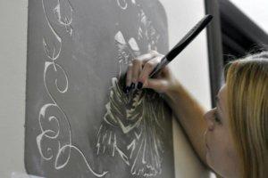 Рисунки из штукатурки в технике Сграффито