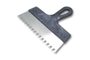 Шпатель для нанесения паркетного клея с металлической ручкой